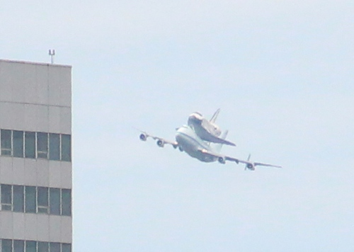 Space Shuttle Discovery Flys over Washington DC